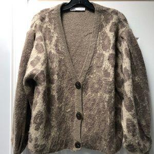 Cozy, deep V-Neck Zara Cardigan. Size M.
